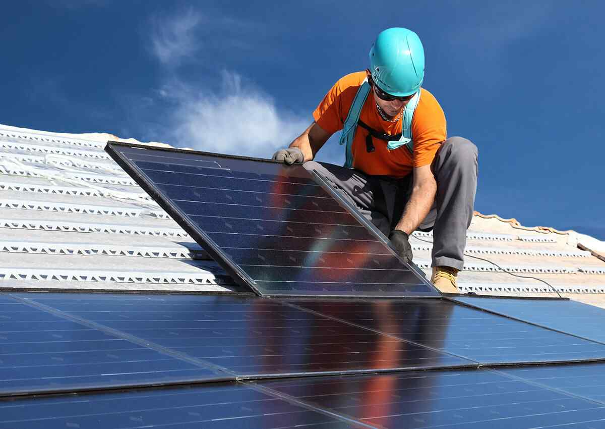 https://solarpanelorlando.com/wp-content/uploads/2018/10/inner_professionals_04.jpg